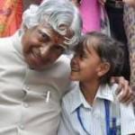 बच्चों के करीब डॉ कलाम