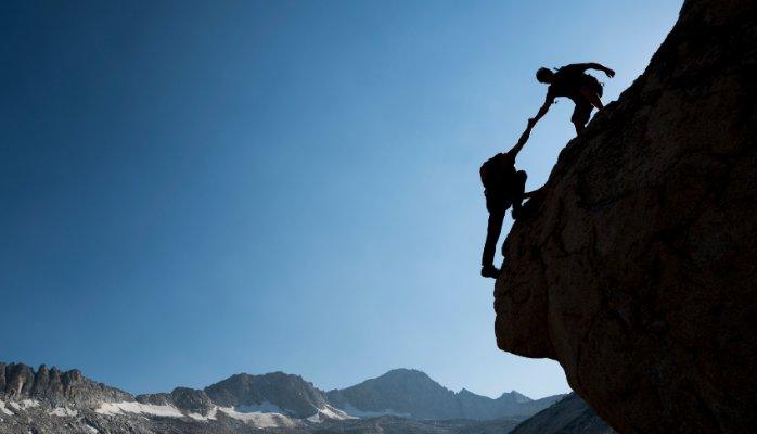 Hindi Poem on Importance of Teamwork